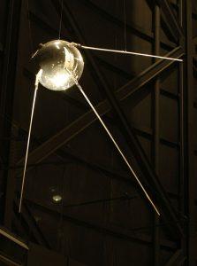 اولین ماهواره ک شوروی به فضا فرستاد