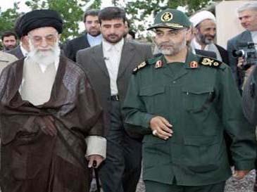 پاسدار قاسم سلیمانی سرکرده نیروی تروریستی قدس-min