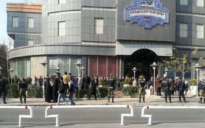 مقابله نیروهای امنیتی با تجمع اعتراضی-min