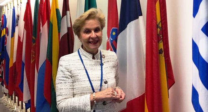 من میخواهم کنار مریم رجوی بایستم، پیام سناتور کارمن کینتانیا باربا معاون اول پیشین کمیسیون زنان شورای اروپا