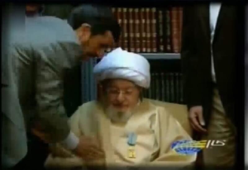 اهدای نشان «درجهیک عدالت» توسط پاسدار احمدینژاد به آخوند محمدی گیلانی